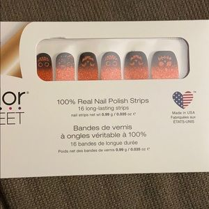 Pumpkin to talk about, color street nail set.